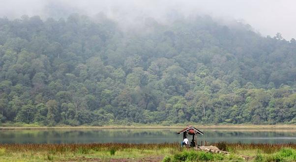 Danau Taman Hidup via endlee probolinggo
