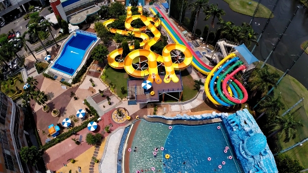 Main Air di The Wave Pondok Indah Water Park vai Nenekngluyur