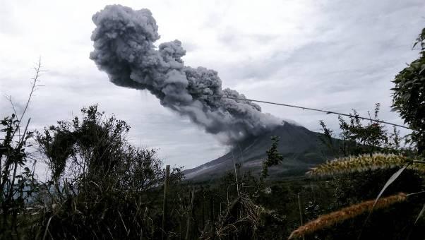 Mengunjungi Gunung Sinabung via @tiarnada