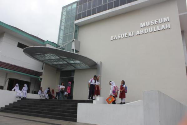 Mengunjungi Museum Basoeki Abdullah