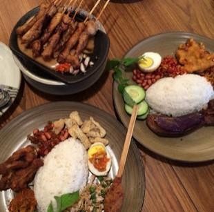 Objek Wisata Kuliner Sate Khas Senayan