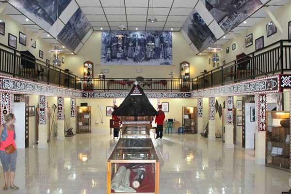 Wisata Sejarah di Museum Pusaka Karo Berastagi via kriswantoginting