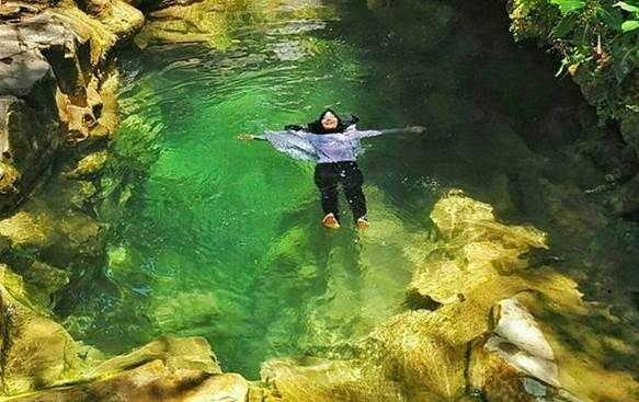 Kolam Alami di Air Terjun Kedung Pedut
