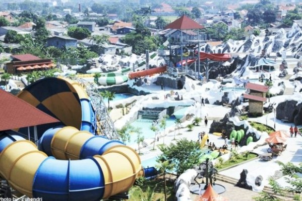 SnowBay Cipayung Waterpark via Mommiesdaily