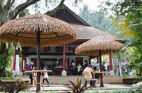Foodcourt Taman Budaya Sentul