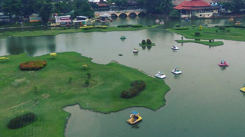 Perahu Angsa di Danau Miniatur Arsipel via @vthreedeela