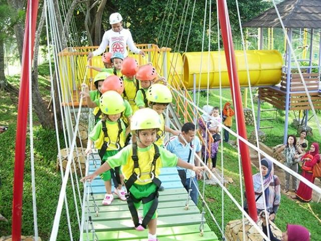 Atraksi Outbond di Taman Budaya