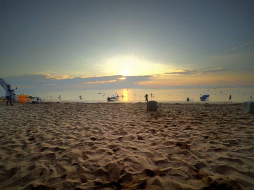 Menyaksikan Sunrise di Pantai Sindu via Kintamani