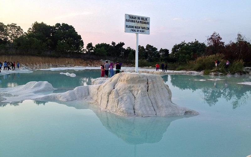 Kawah Biru Riau via Okezone