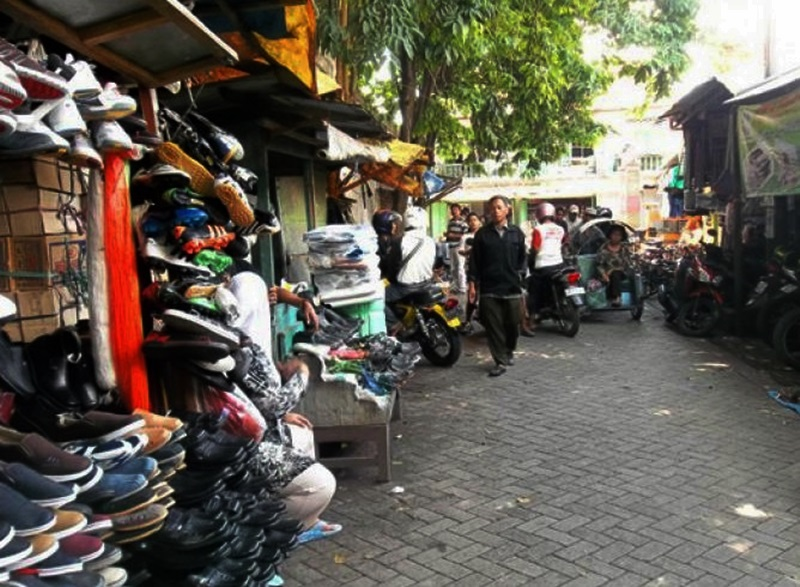 Wisata Kampung Sepatu Krian