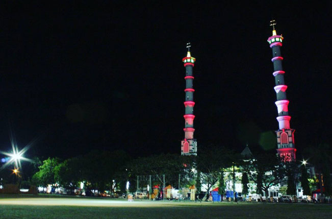 Alun – Alun Kota Lamongan via @transkusphoto