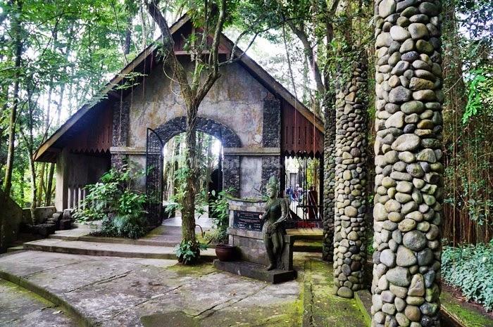 Museum Ullen Sentalu via Liburananak