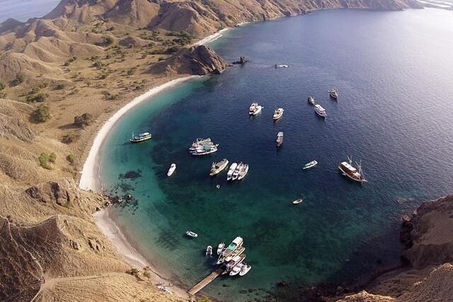Pulau Padar via Telusur