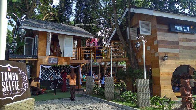Taman Selfie via Travellinkindonesia