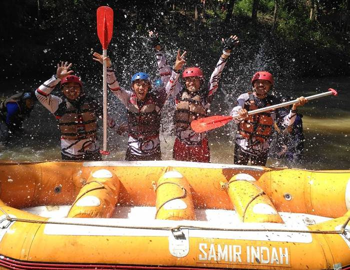 Arung Jeram Samir Situbondo via @and_fence