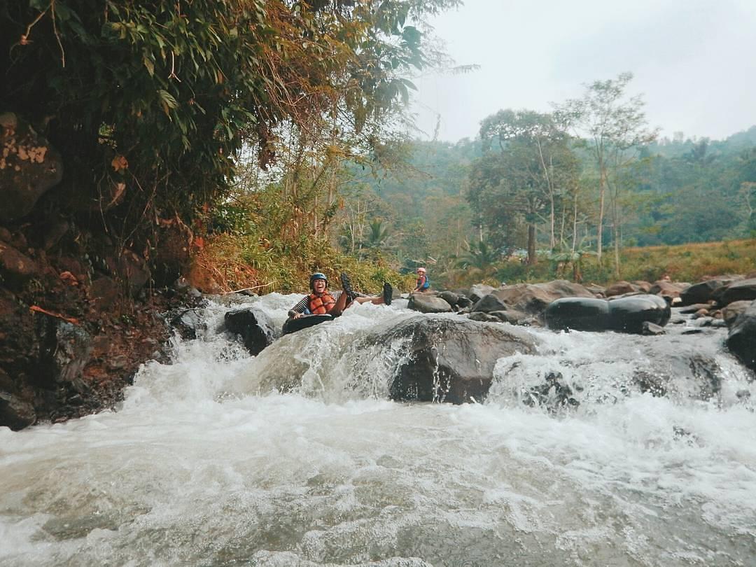 Arung Jeram Tubing Cikalumpang via@sigit_sugiyono