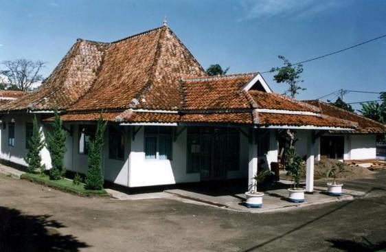 Bekas Gedung Pendopo Kecamatan Saketi