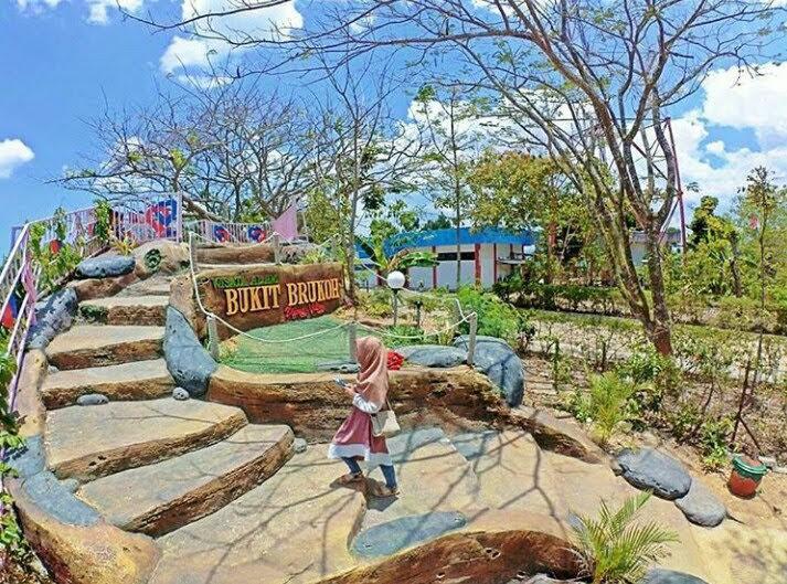 Bukit Brukoh Pakong Pamekasan via Plat-m