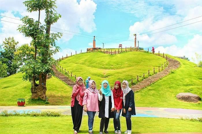 Bukit Cinta Pamekasan via @erlitapresiandari