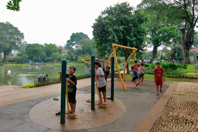 Fasilitas Anak Taman Situ Lembang via thearoengbinangproject