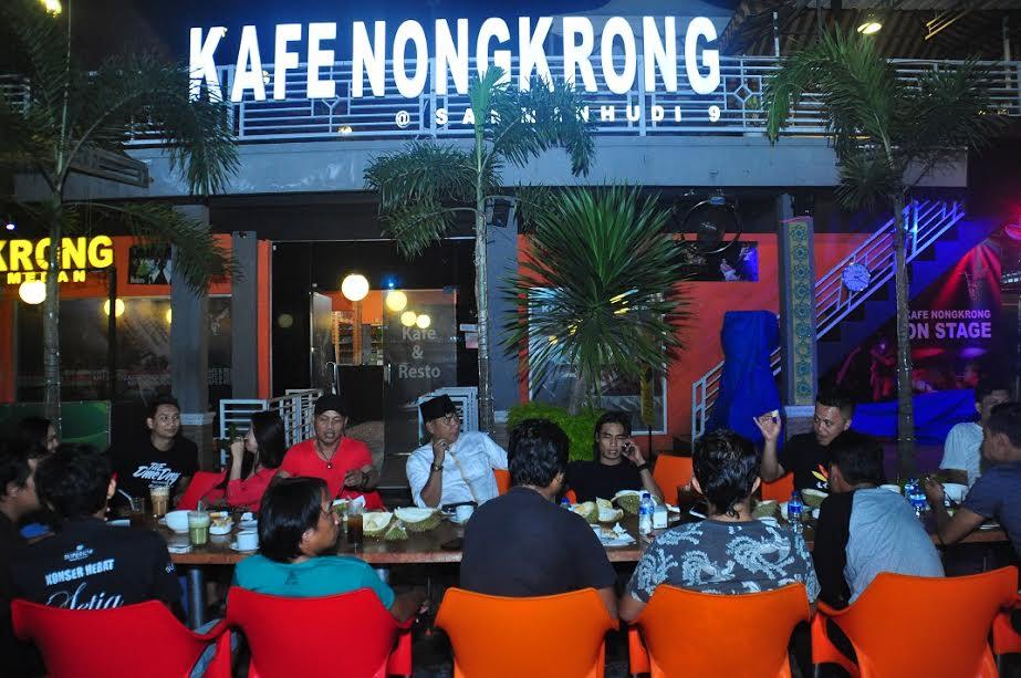 Kafe Nongkrong via Hariancentral