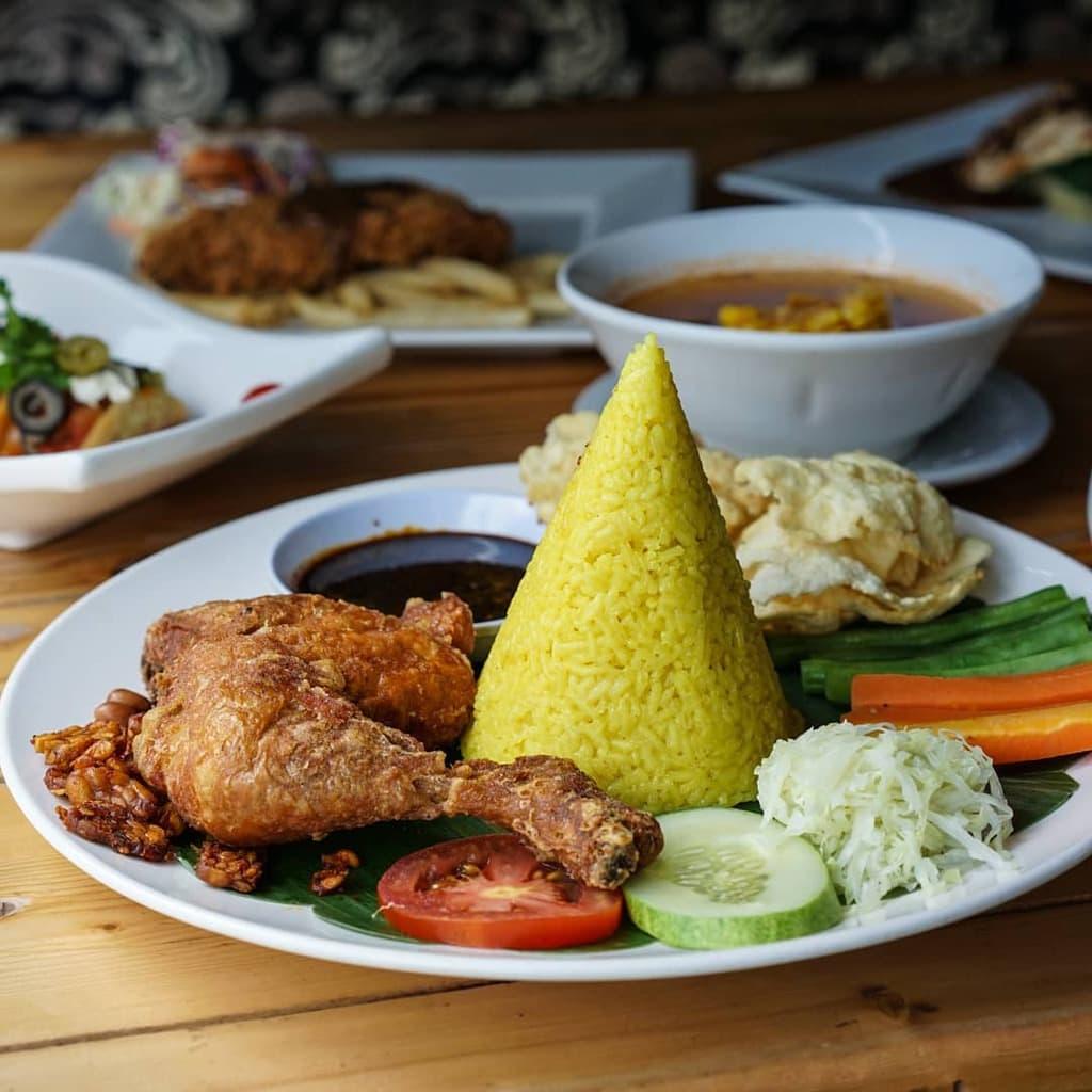 Lekker Urban Food House vai @Lekkerufh
