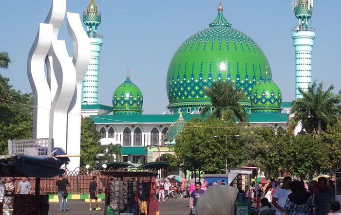 Masjid Agung Asy Syuhada Pamekasan via Bangsaonline