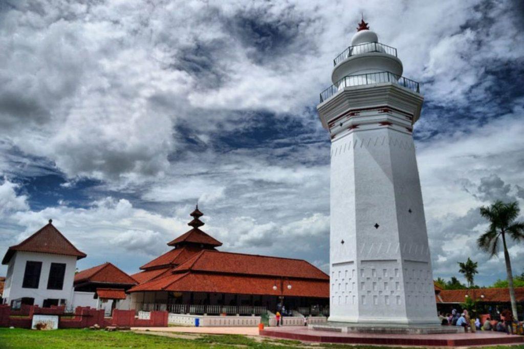 Masjid Agung Banten via Wacananusantara