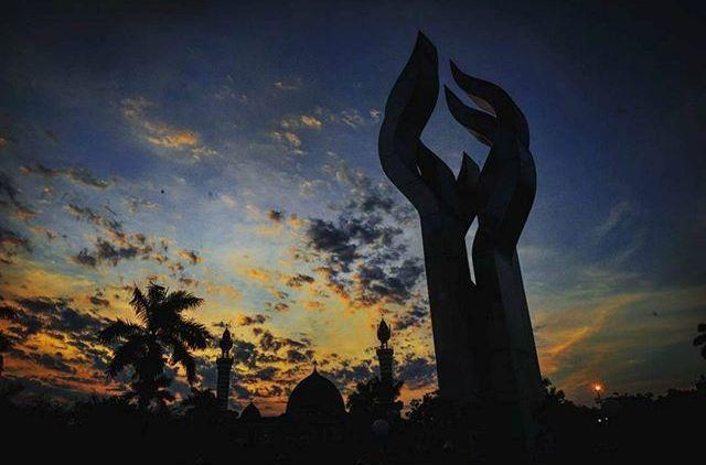 Monumen Nasional Arek Lancor via IG
