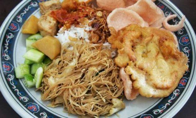 Nasi Uduk Pak Jhon via Foody