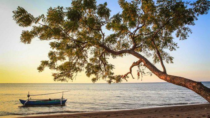 Pantai Banongan via Pantanesia