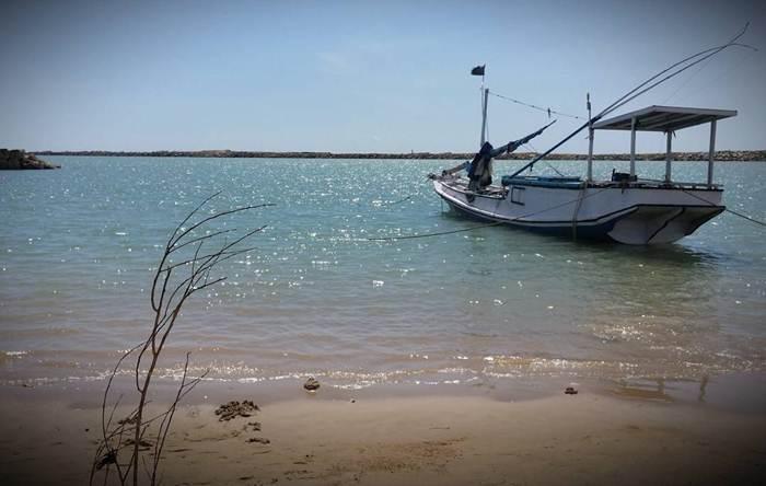 Pantai Batu Kerbuy via @roxy_blue