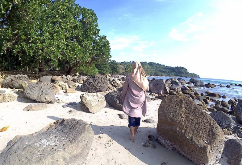 Pantai Hideung via @rialetariani