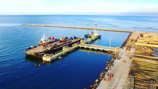 Pantai Pelabuhan Perikanan Batang