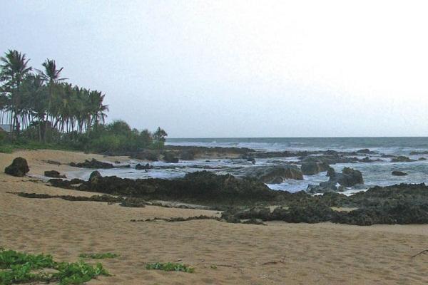 Pantai Suka Hujan via Merahputih