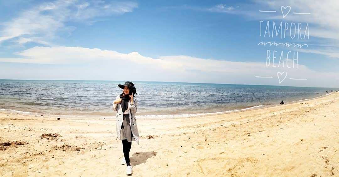 Pantai Tampora Situbondo via @asty_kenzie