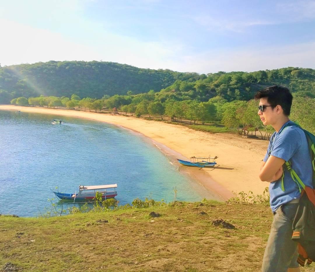 Pantai Tangsi Situbondo via @affan