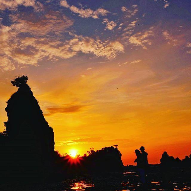Pantai Tanjung Layar via IG