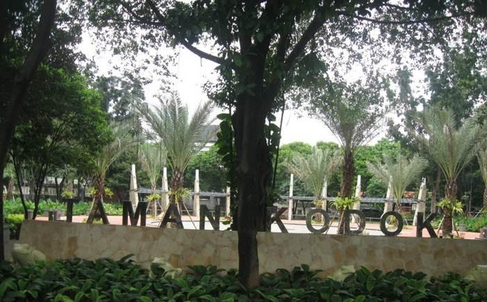 Taman Kodok Menteng via Indraprawinegara