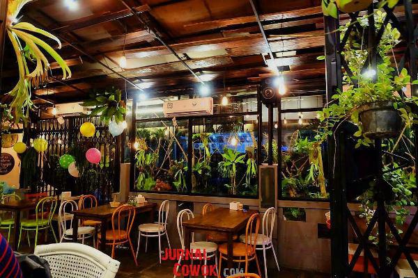 The Garden Café via Jurnalcowok