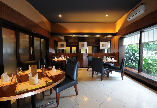 The Traders Restaurant Cafe & Bar via Dennypedia