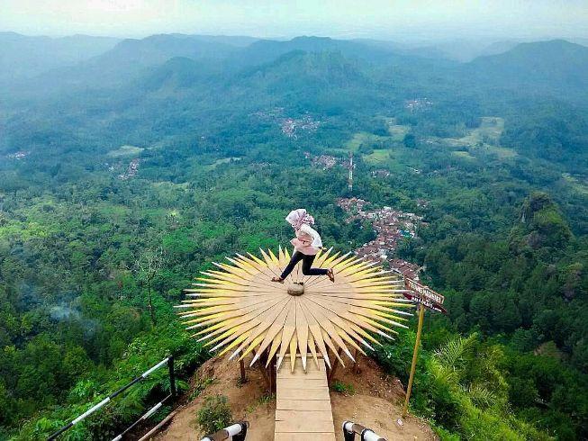 Bukit Patihan Bruno via explorewisata