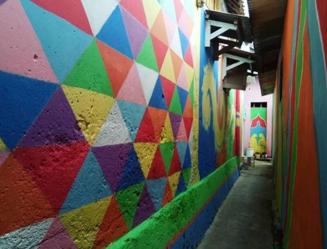 Kampung Warna Tuban via @beritatuban