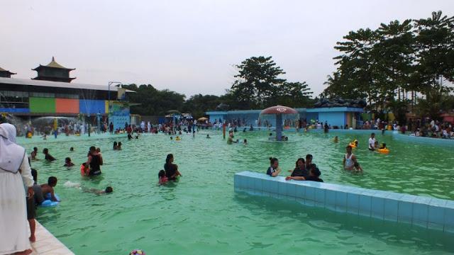 Kolam Renang Tamora Indah Waterpark via Semedan