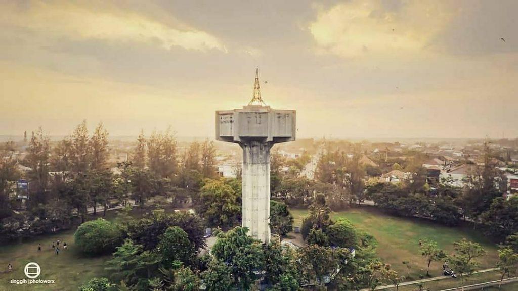 Menara Simpang Lima via @singgih.foto