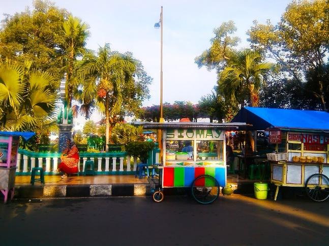 Obyek Wisata Alun-Alun Kota Tuban via Catatanzuhri