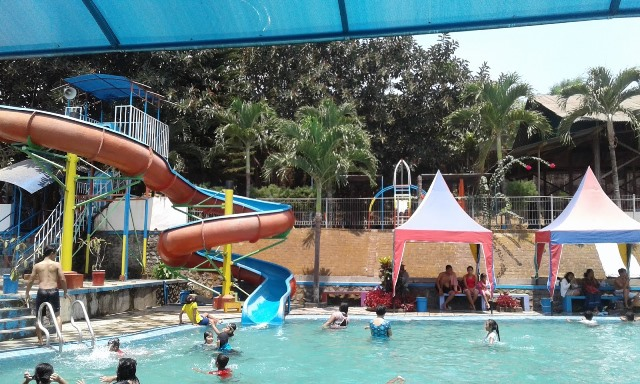 Pacet Mini Park Mojokerto via Indoinspector.blogspot.com