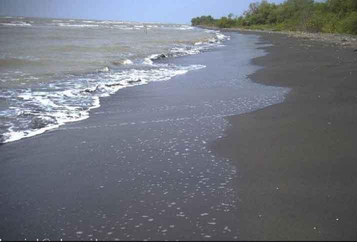 Pantai Jomblom via swarakendal
