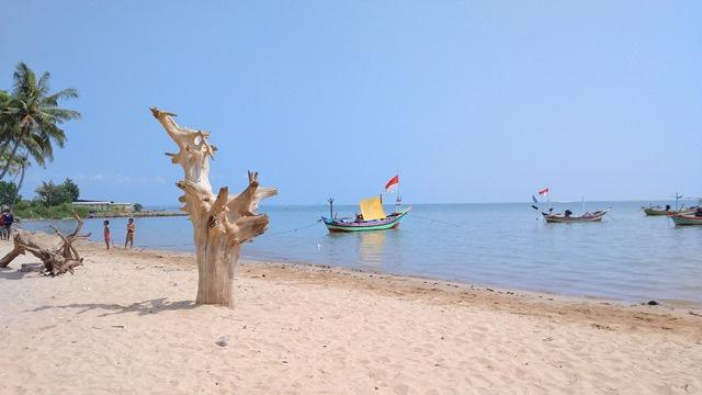 Pantai Kelapa Tuban via Guneman