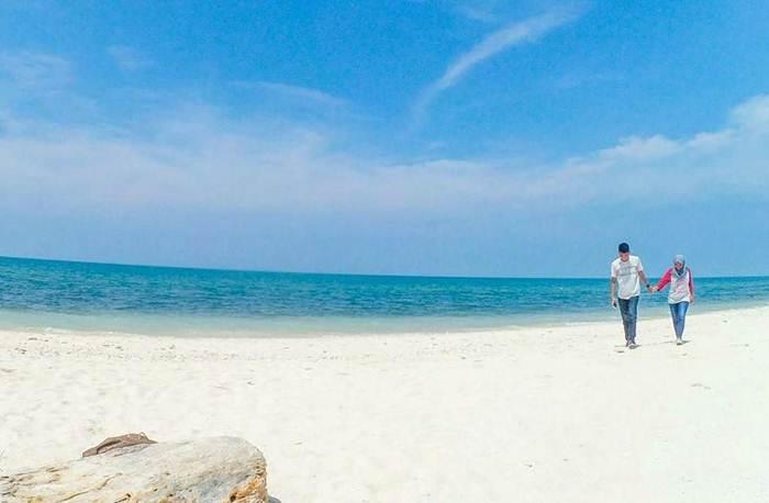 Pantai Socorejo via @aditya_dmahendra